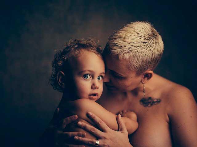 Abraços e beijos | O impacto na saúde do toque afetivo