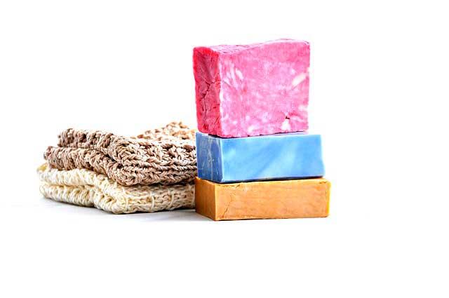Alergia a Cosméticos   Sintomas, Reações na Pele e Tratamento