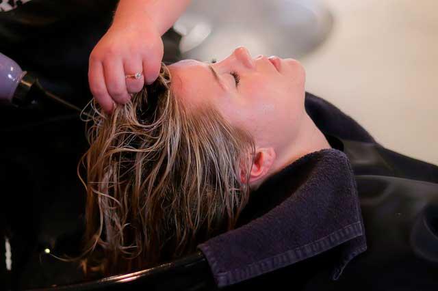 Alergia a produto de cabelo | Causas, Reações e Sintomas