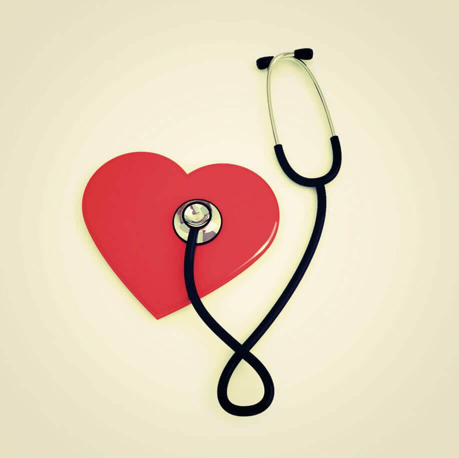 Arritmia - Os 7 Principais Sintomas de Arritmia (batimentos cardíacos estranhos)