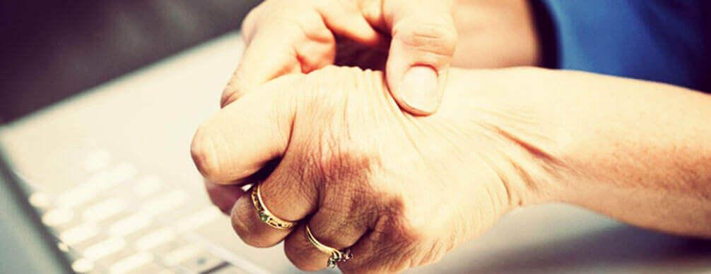 Artrite Reumatoide - Sintomas e Fatores de Risco