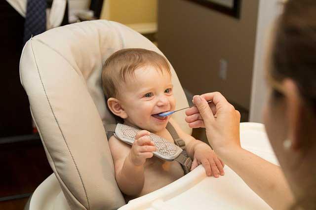 Bebê tem uma alergia alimentar? Sinais e sintomas