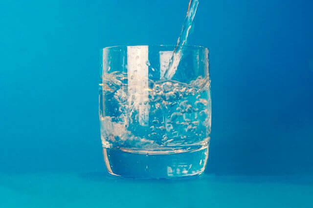 Beber água ajuda a congestão torácica