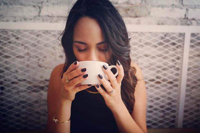 Café como um gatilho de dor de cabeça