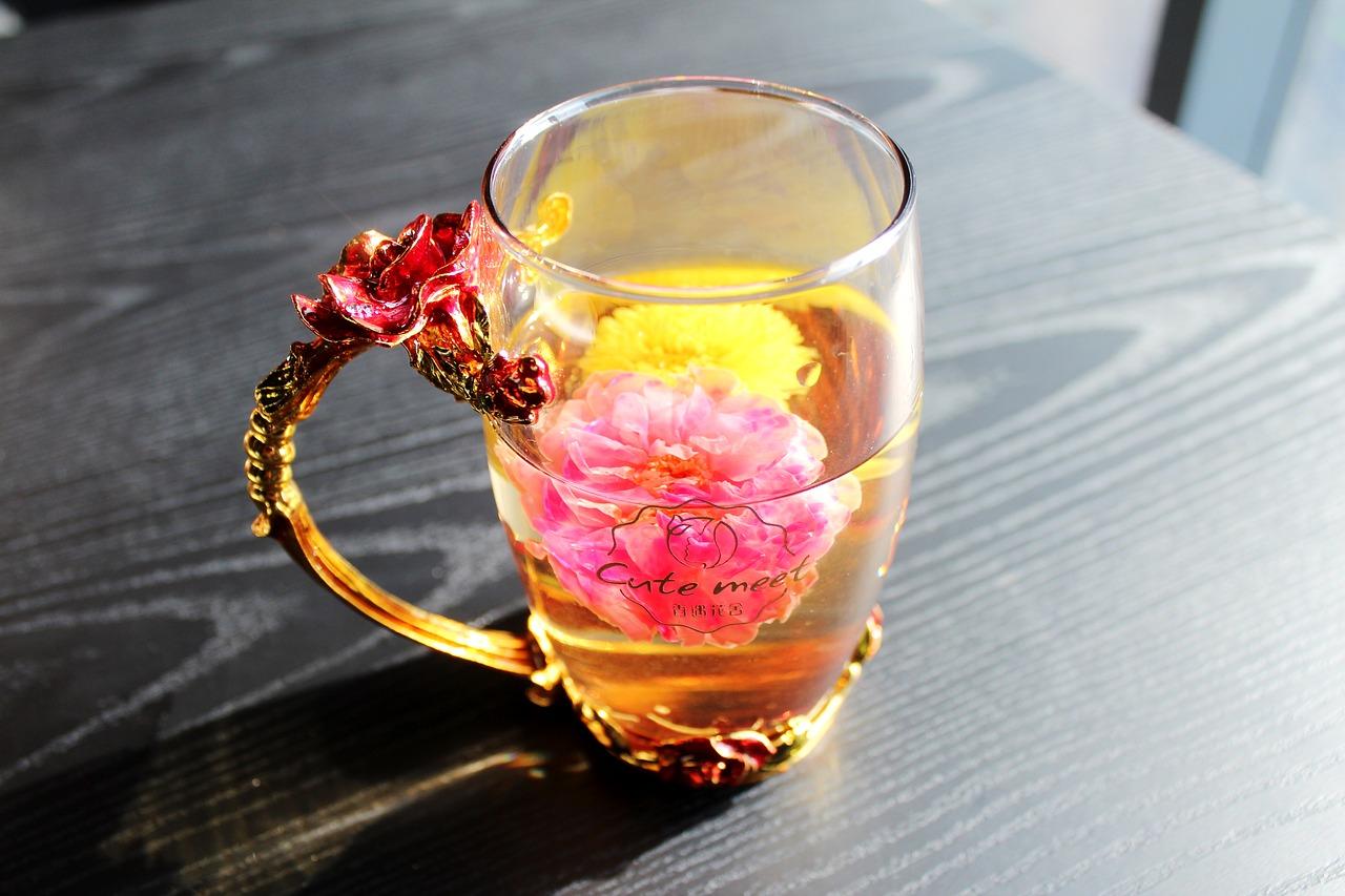Chá de valeriana |  Benefícios e Efeitos Colaterais