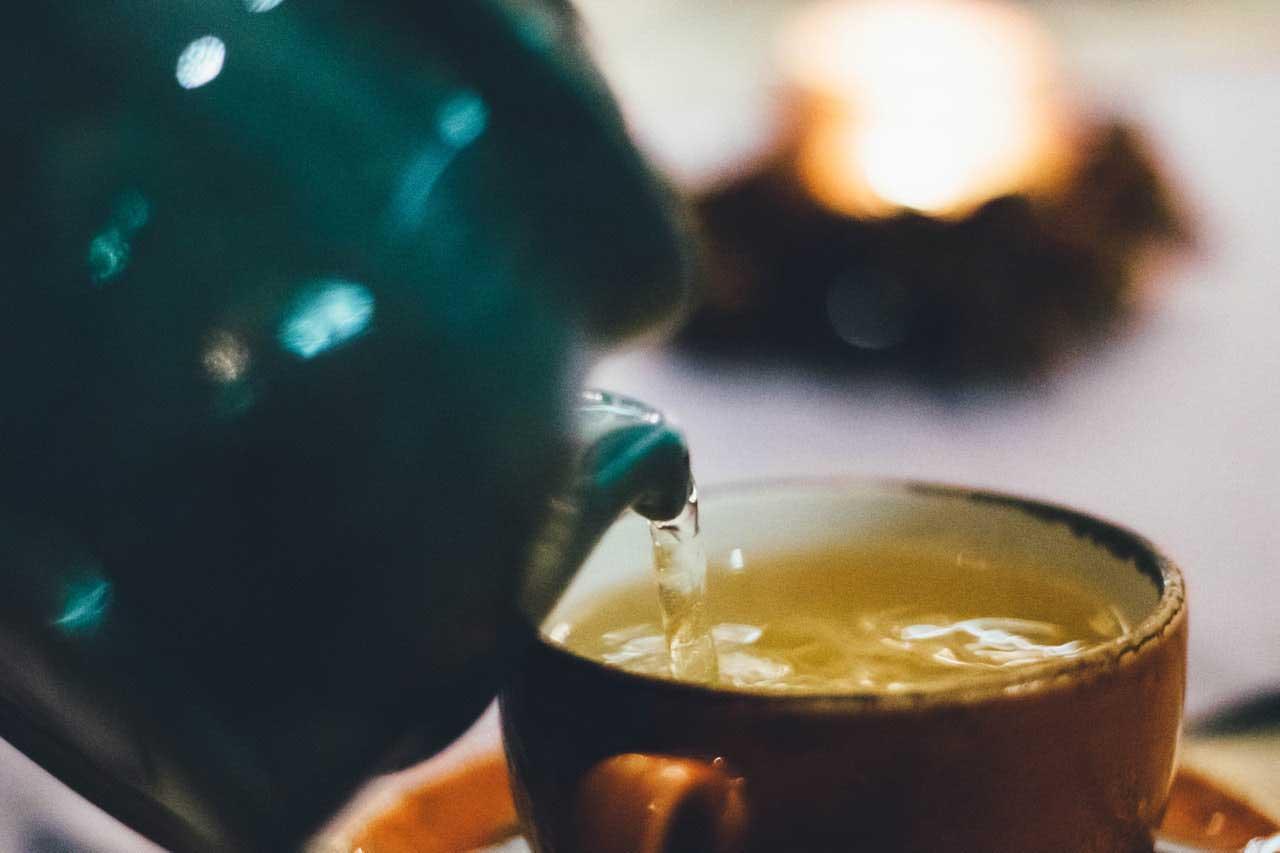 Chá verde e função hepática | Benefícios e efeitos