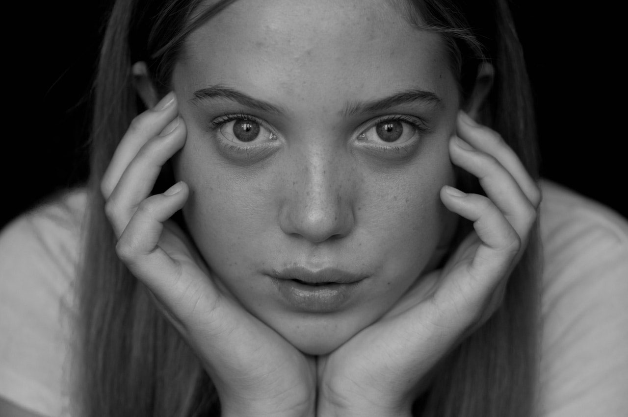 Cisto epidermóide | O que causa e sintomas