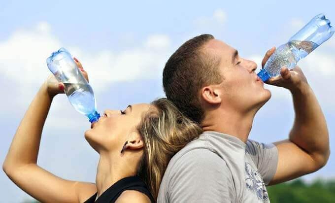 8 Coisas Incríveis Que Vão Acontecer Depois De Beber Água De Estômago Vazio
