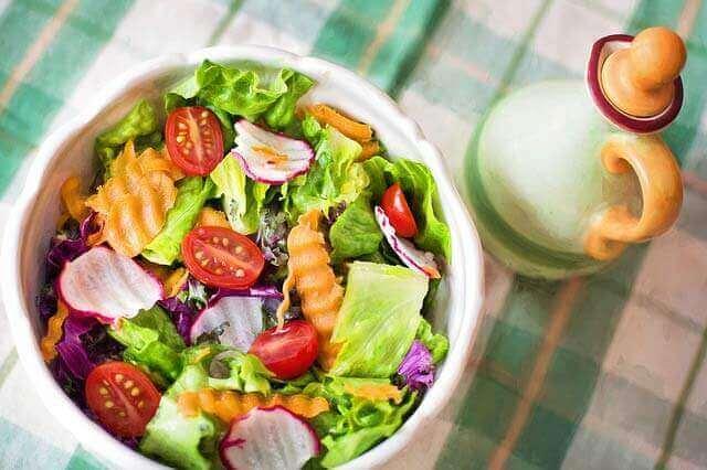 3 Maneiras de Comer Menos Carboidratos no Almoço