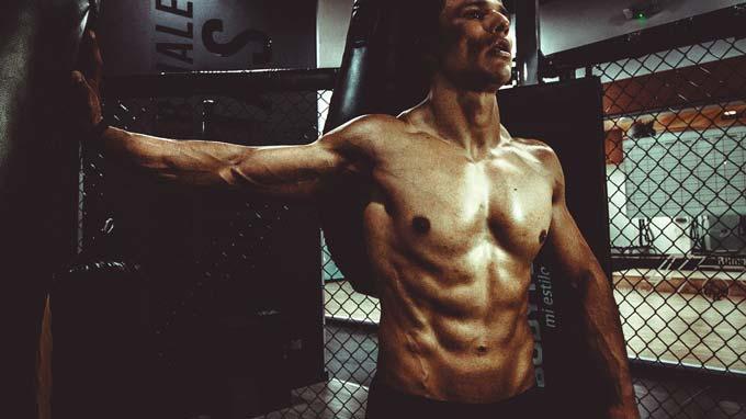 Como comer para construir músculos mais fortes