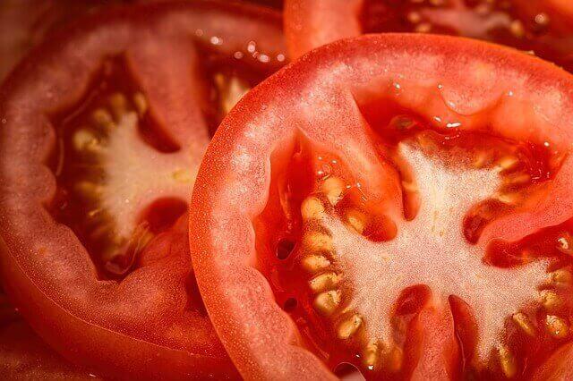 Comer tomates para reduzir doenças cardíacas