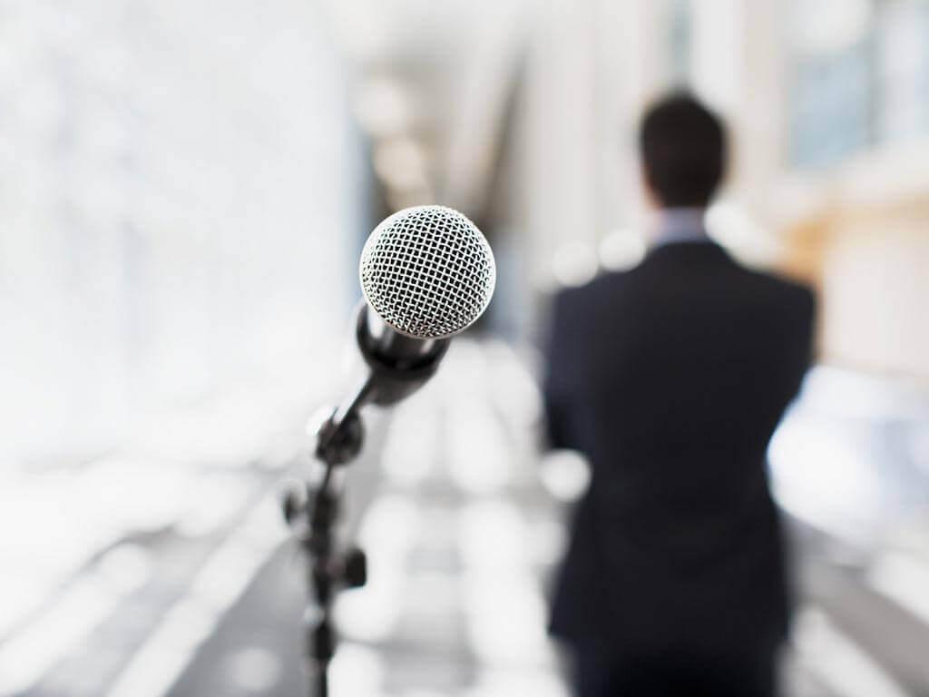 Como falar bem em público de maneira eficaz