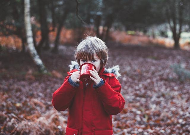 Criança pode tomar café? Café atrapalha o crescimento infantil?