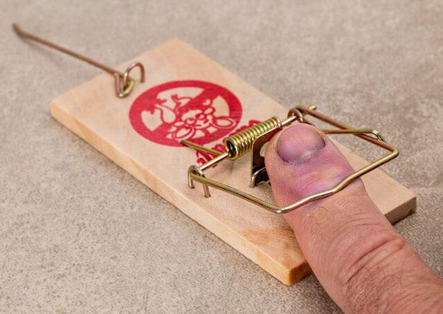 Dedo preso na porta | Tratamento para o dedo preso na porta