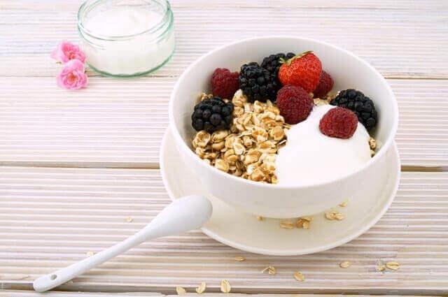 Diabéticos precisam comer proteína com carboidratos