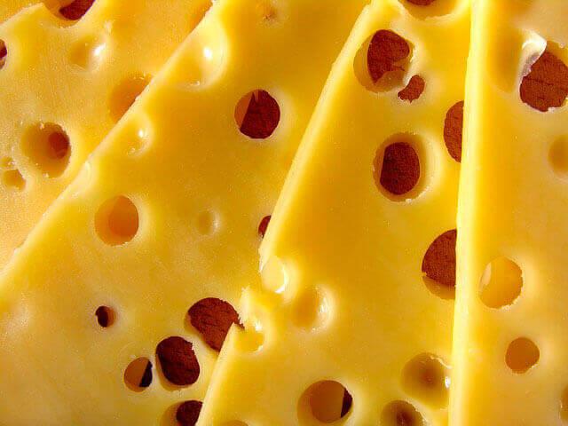 Dor no estômago depois de comer queijo