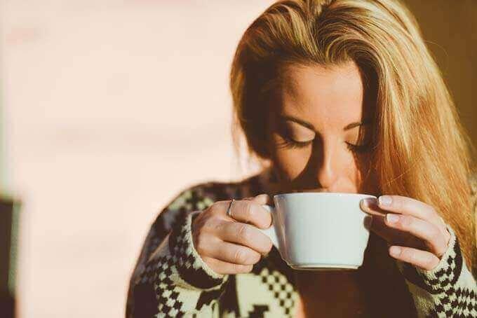 Dores de cabeça de manhã podem ser um sinal de apneia do sono