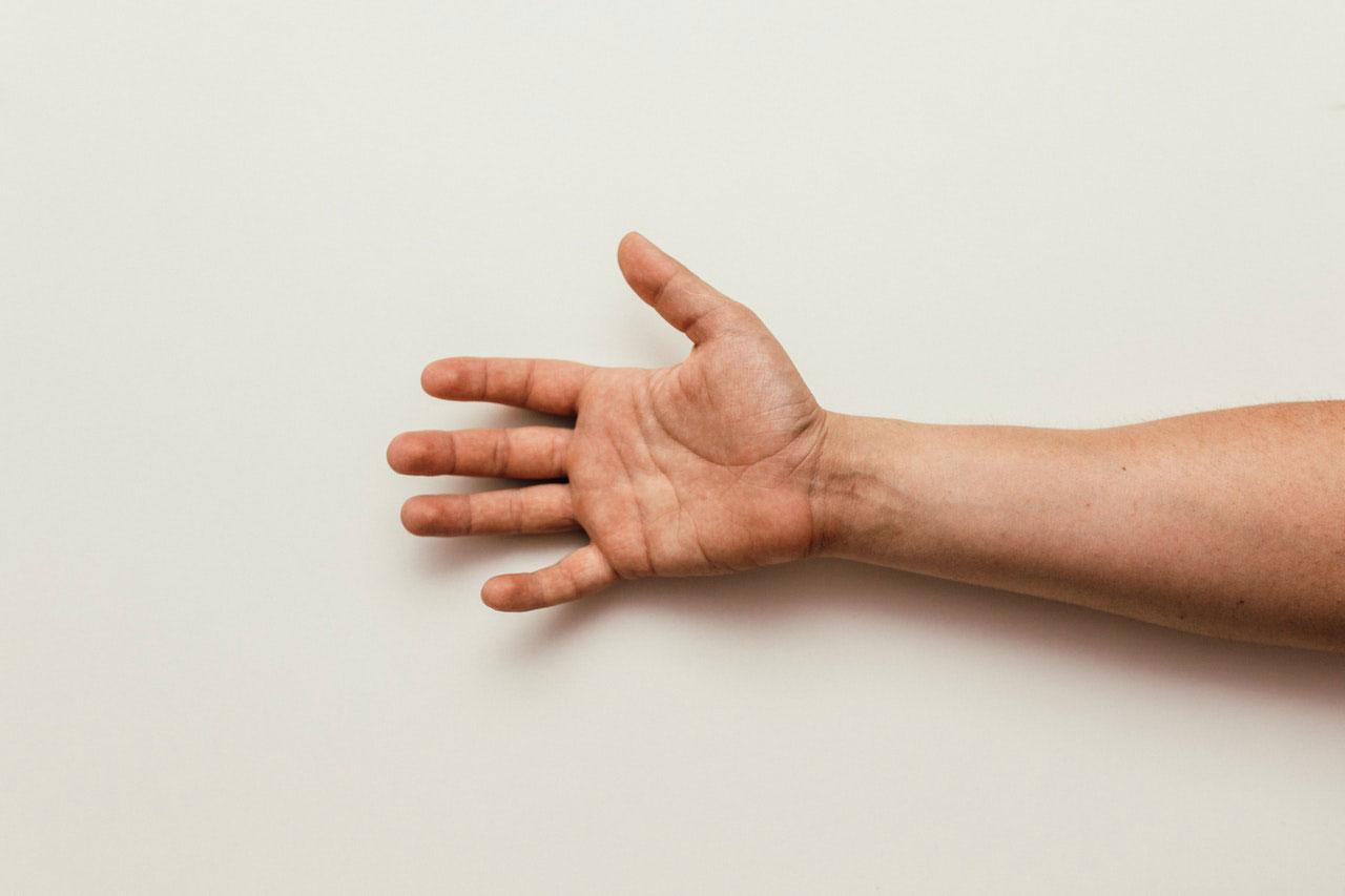 Dormência no braço esquerdo significa um ataque cardíaco