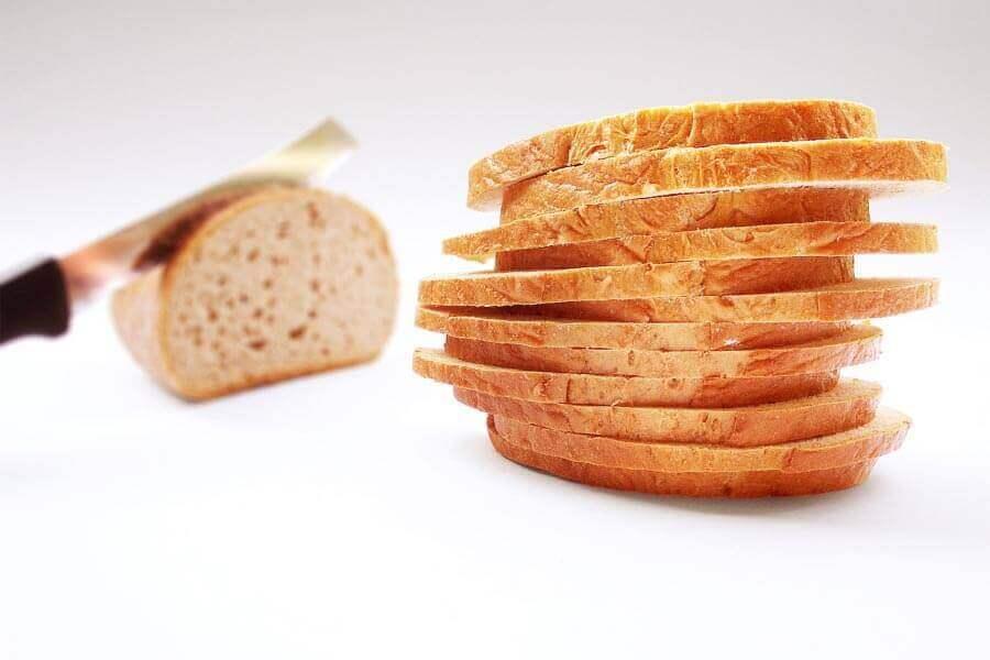 É seguro comer pão mofado?