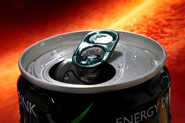 O efeito das bebidas energéticas nos rins e na saúde