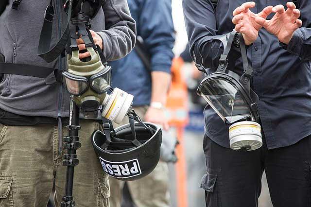 Efeitos do Gás Lacrimogêneo e Spray de Pimenta