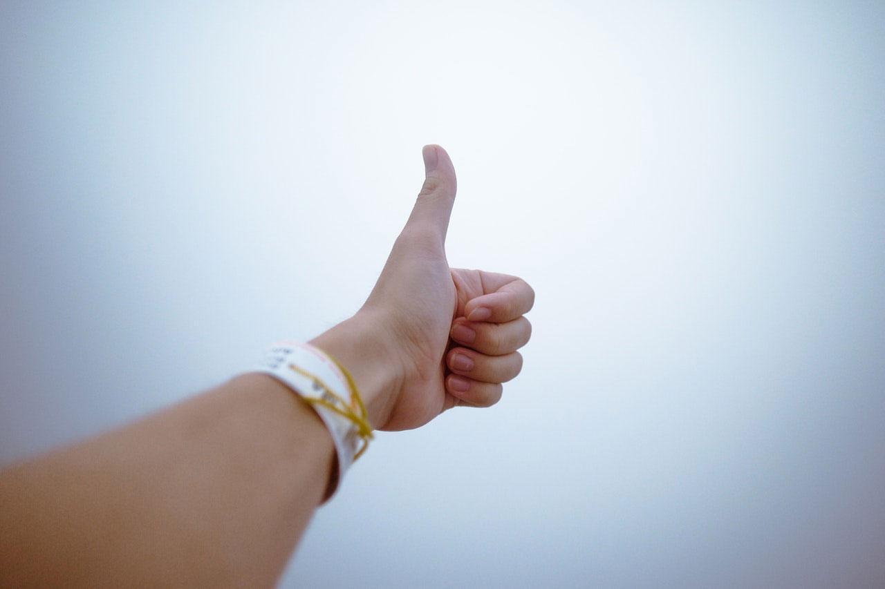 Entorse no dedo polegar da mão