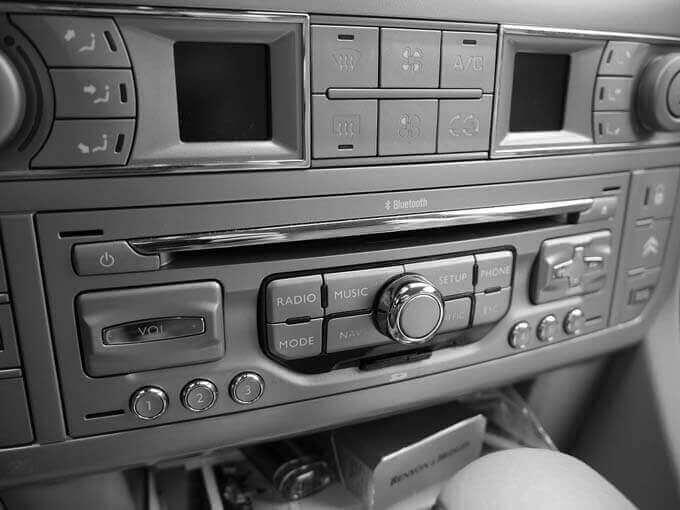 Escutar Música no Carro faz bem para a Saúde