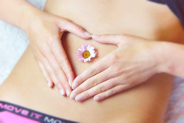 Espasmos do estômago (espasmo do músculo abdominal): Causas e sintomas