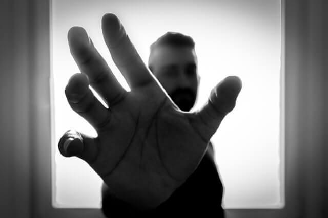 Estalar os Dedos - Faz Bem ou Faz Mal?