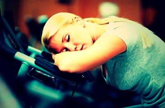 Estar sempre cansado, é fadiga ou fraqueza?