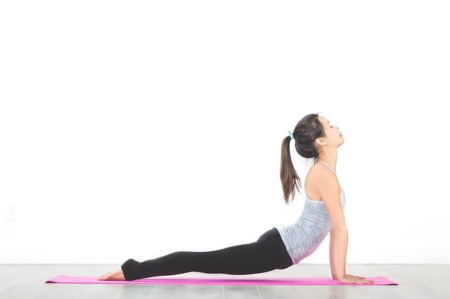 Exercícios de baixo impacto podem reduzir muito as dores no joelho e possíveis lesões.