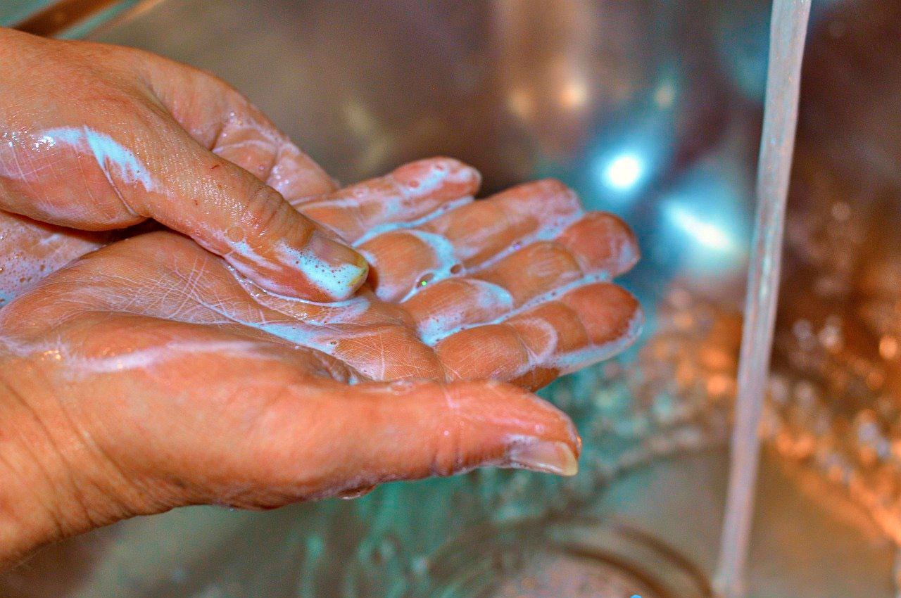 Lavagem da mão é a chave para o controle de infecções