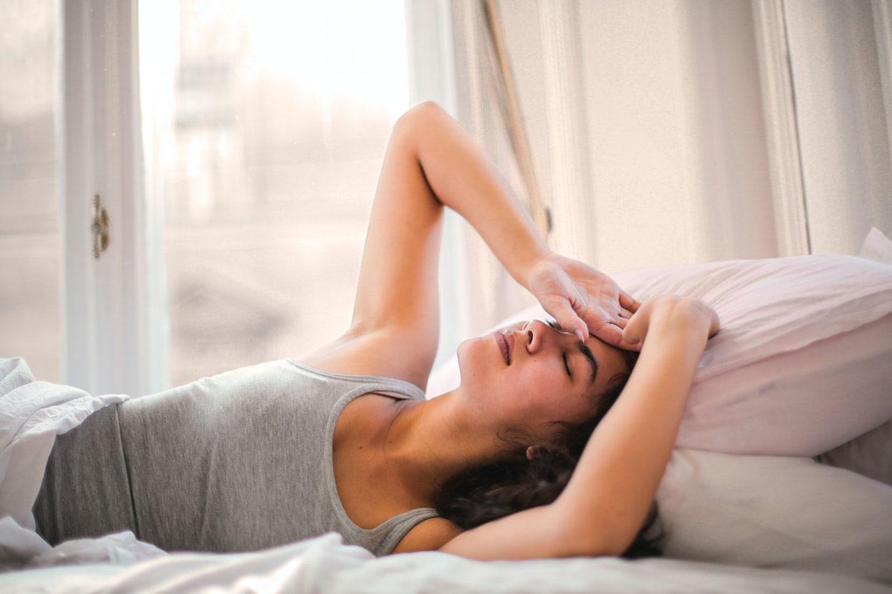 Maneiras de tratar dores de cabeça causadas pelo vírus da gripe