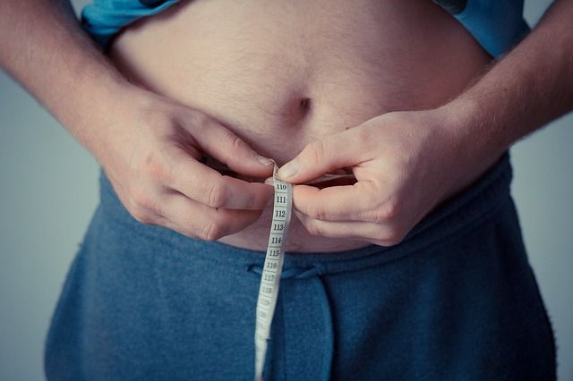Manter o peso reduz as dores no joelho