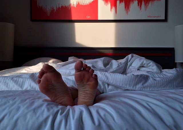 O que é um fenômeno hipnagógico e o que causa o sono?