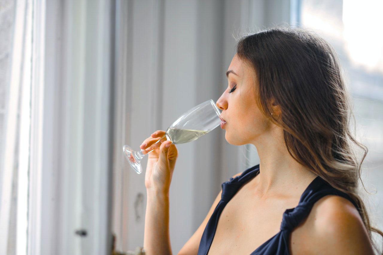 O álcool diminui a imunidade?  Beber durante pandemia COVID-19