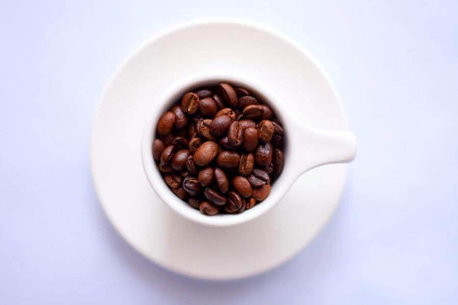 O conteúdo de cafeína do café depende de 4 fatores