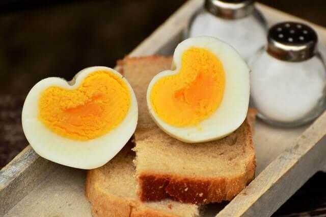 O que acontece quando as pessoas comem vários ovos