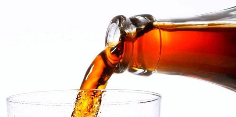 O que acontece quando você bebe refrigerante?