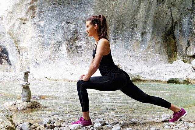 O que causa atrofia muscular na perna?