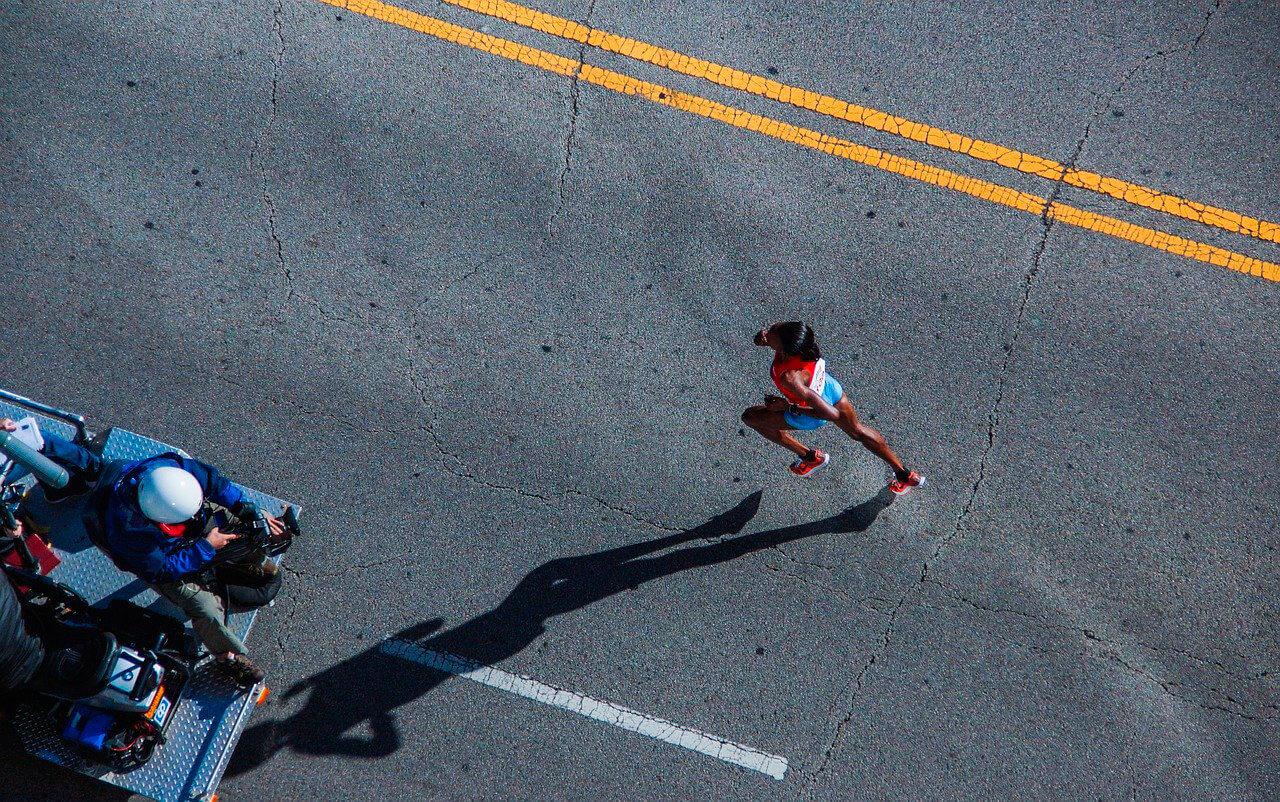 O que pode causar dor retal na corrida?