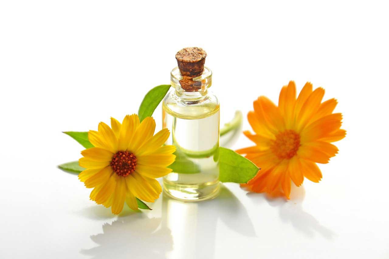 Óleos essenciais para tratar cravo na pele
