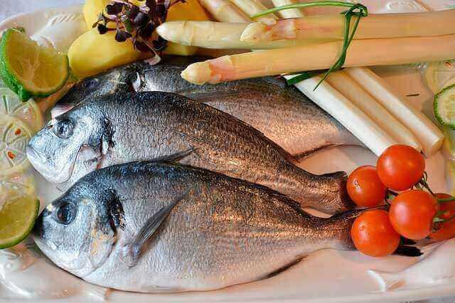 Olhos inchados depois de comer peixe