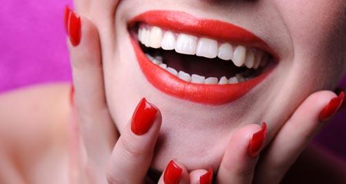 Os riscos do clareamento dental