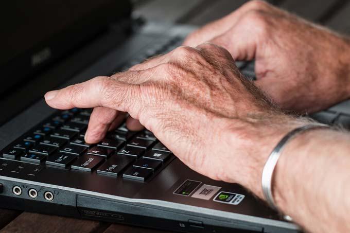 Os sinais e sintomas da artrite reumatoide
