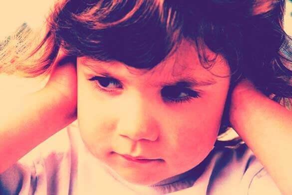 Otite | Infecção do Ouvido Médio | Por que muitas crianças tem dor de ouvido?