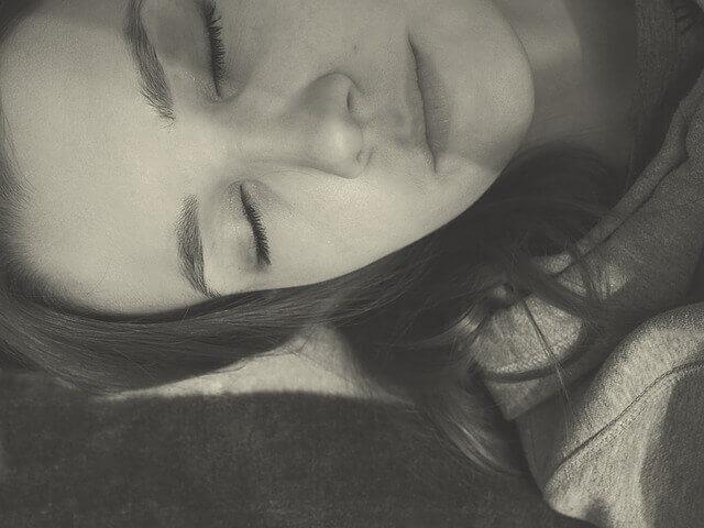 Paralisia do sono - não consigo me mover ou falar