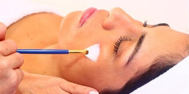 Peeling químico pode causar vários efeitos colaterais