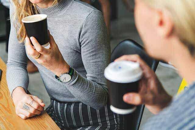 Por que a cafeína causa o nervosismo?