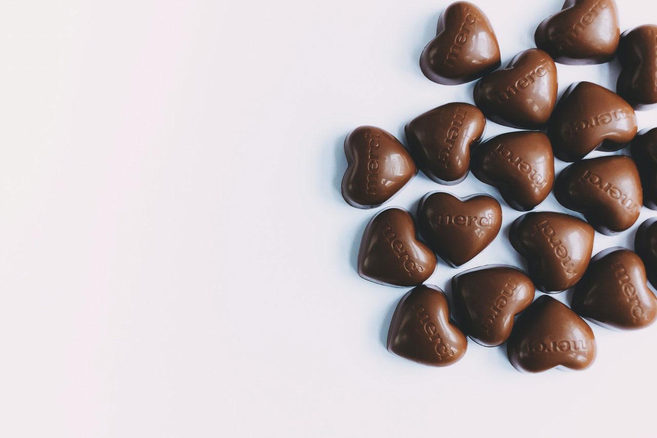 Por que o chocolate faz o coração pular uma batida?